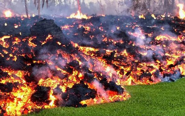 夏威夷火山 森盛隆配图